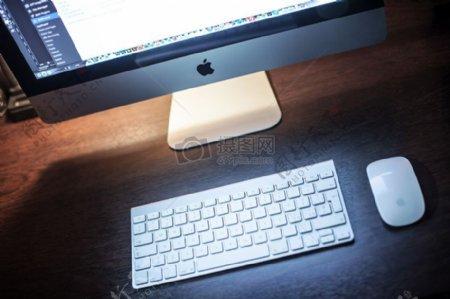 苹果书桌技术计算机iMac电脑键盘魔术鼠标工作场所工作站设备