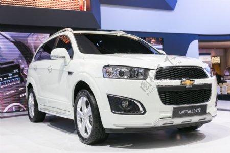 白色豪华轿车图片