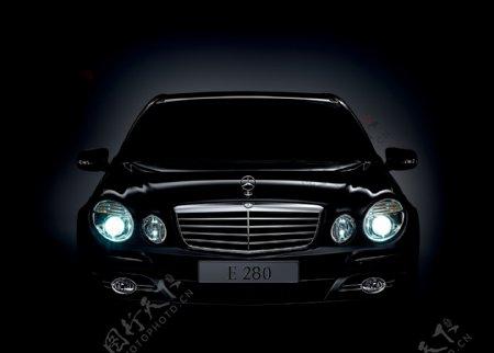 黑色奔驰轿车图片
