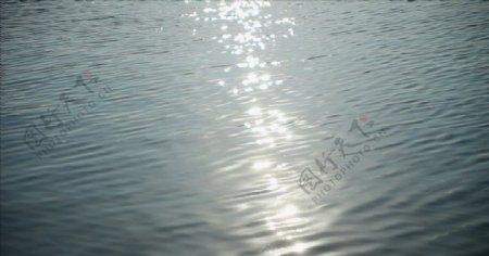 波光粼粼的海面