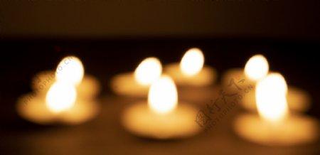 祈祷之蜡烛虚焦背景