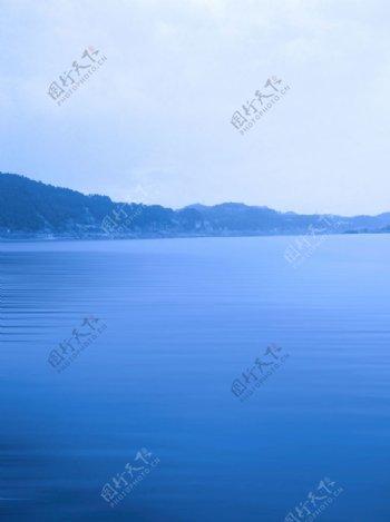 嘉陵江江水波纹山水水墨