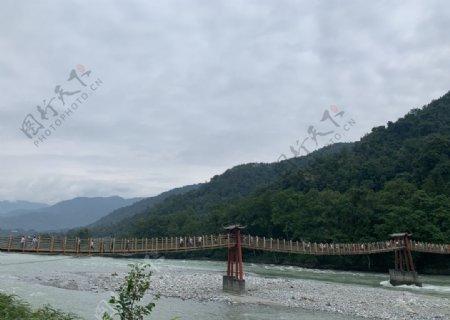 都江堰情人桥图片