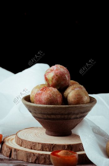 李子杏子水果背景海报素材图片