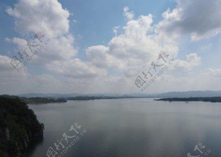 湖海水面蓝色图片