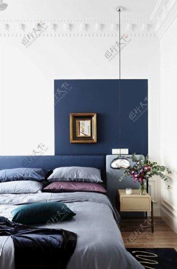 墙纸展示卧室一角图片