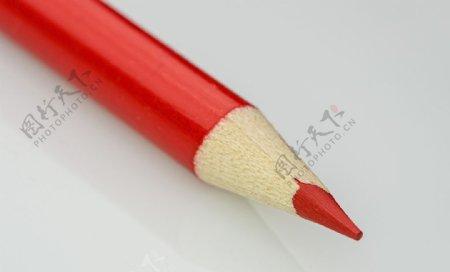 红色铅笔红色彩色铅笔画画图片