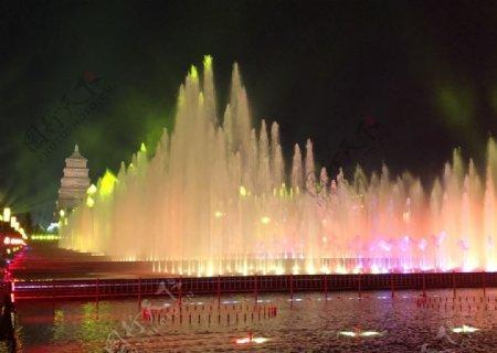 西安大雁塔音乐喷泉图片